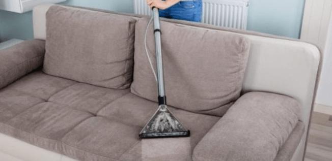 أفضل طرق تنظيف الكنب والمجالس