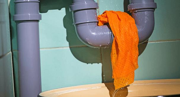 أضرار تسربات المياه في المنزل