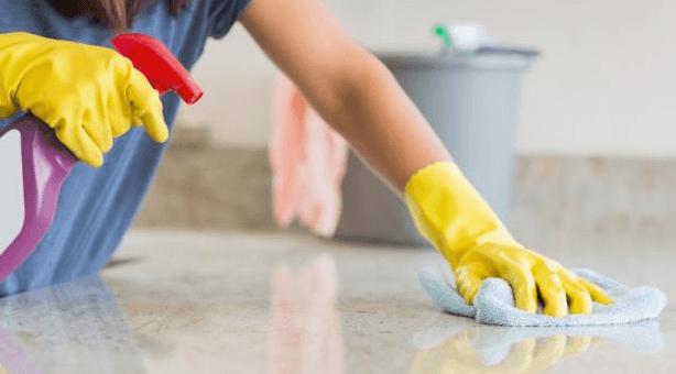 أمور تساعدك كثيرًا في تنظيف المنزل