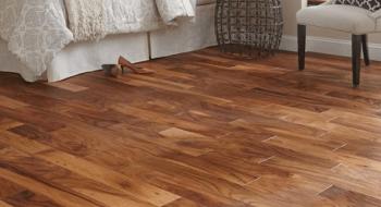 أفضل الطرق لتنظيف الأرضيات الخشبية