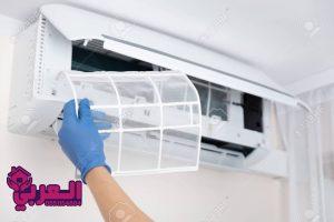 128703324 technician cleaning air conditioner hand holding air conditioning filter 300x200 - شركة تنظيف مكيفات بسكاكا - 0509403136 - مكيفات سبليت شباك بسكاكا